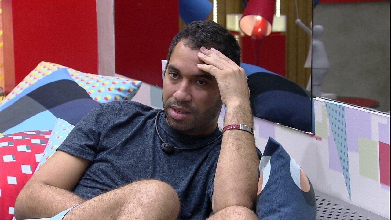 Em conversa sobre Paredões no BBB21, Gilberto constata: 'De 11, eu fui para três'