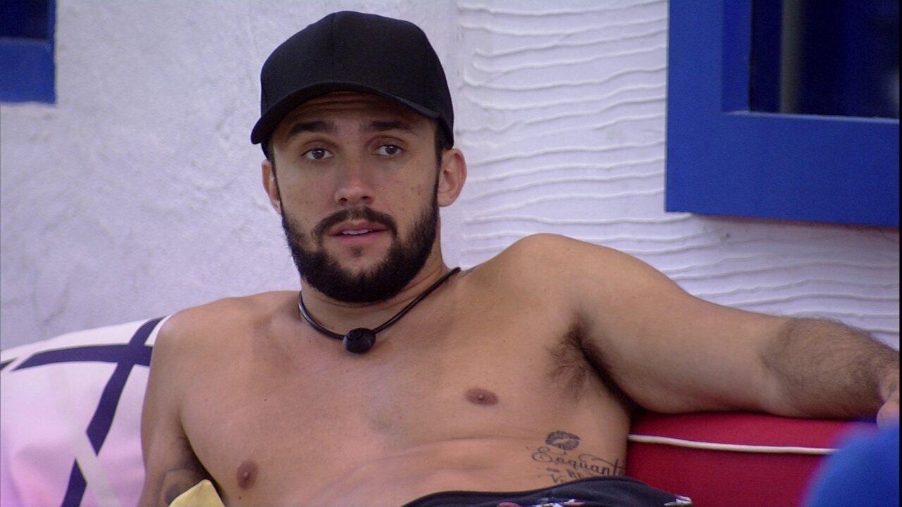 No BBB21, Arthur revela que sua primeira opção de voto é João: 'Não vou na Ju e no Fiuk'