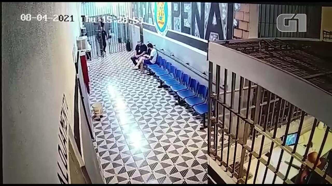 Vídeo mostra Dr. Jairinho recebendo lanche de diretor de presídio