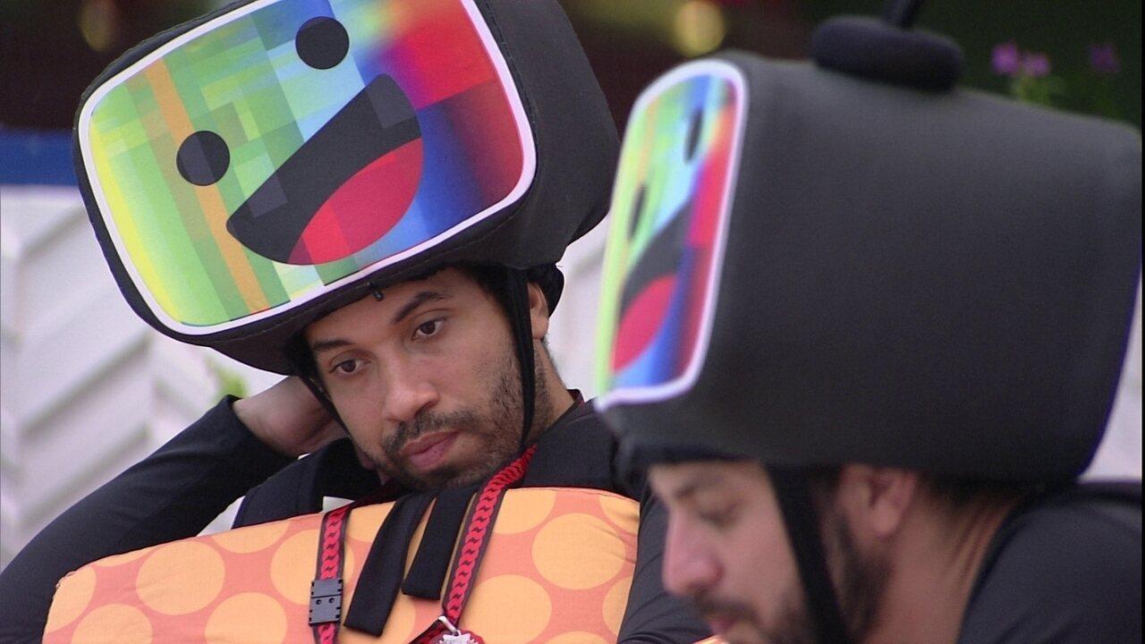 No BBB21, Gilberto desabafa sobre Paredão: 'Se for eu, Fiuk e Pocah, vai ser difícil'