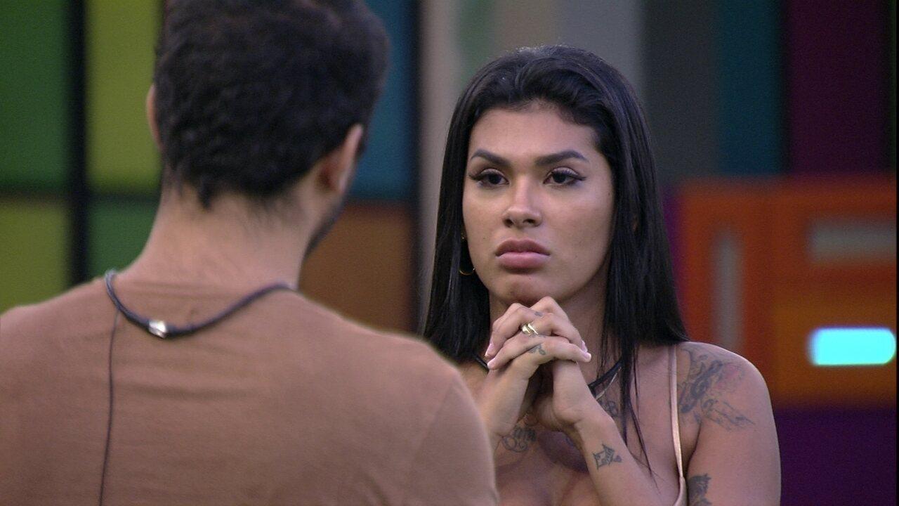 No BBB21, Pocah explica para Gilberto sobre discussão com sister