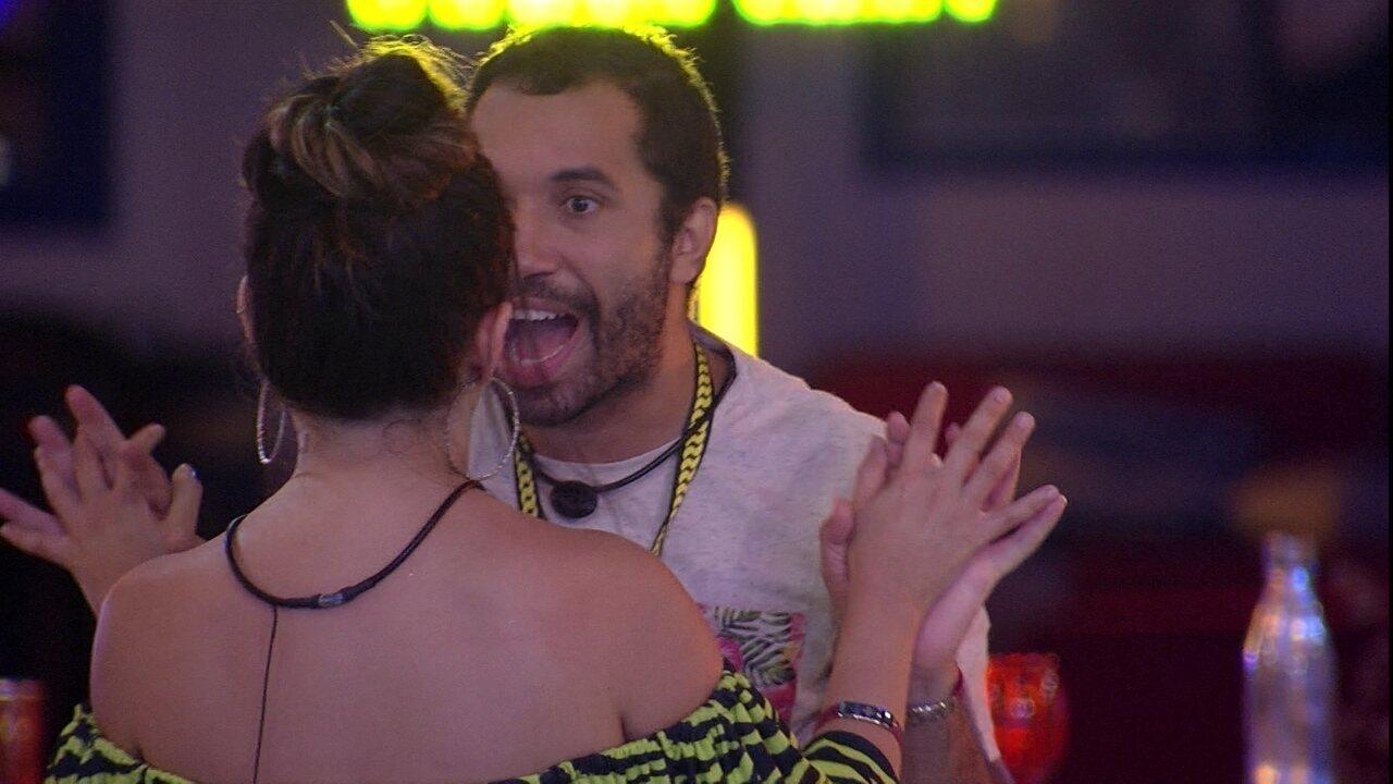 Gilberto agradece a Juliette no BBB21: 'Por me ajudar a não me perder'