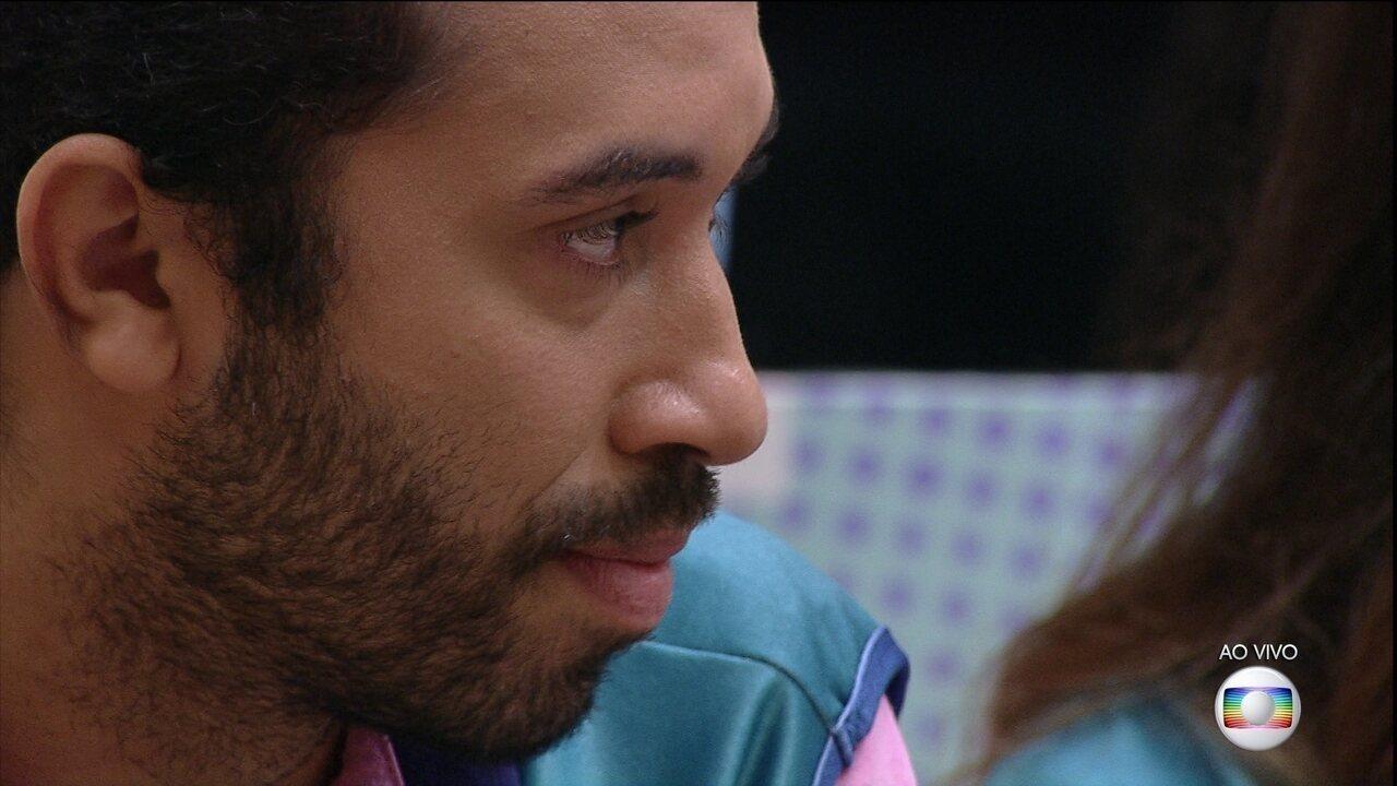 Líder Pocah indica Gilberto ao 14º Paredão do BBB21