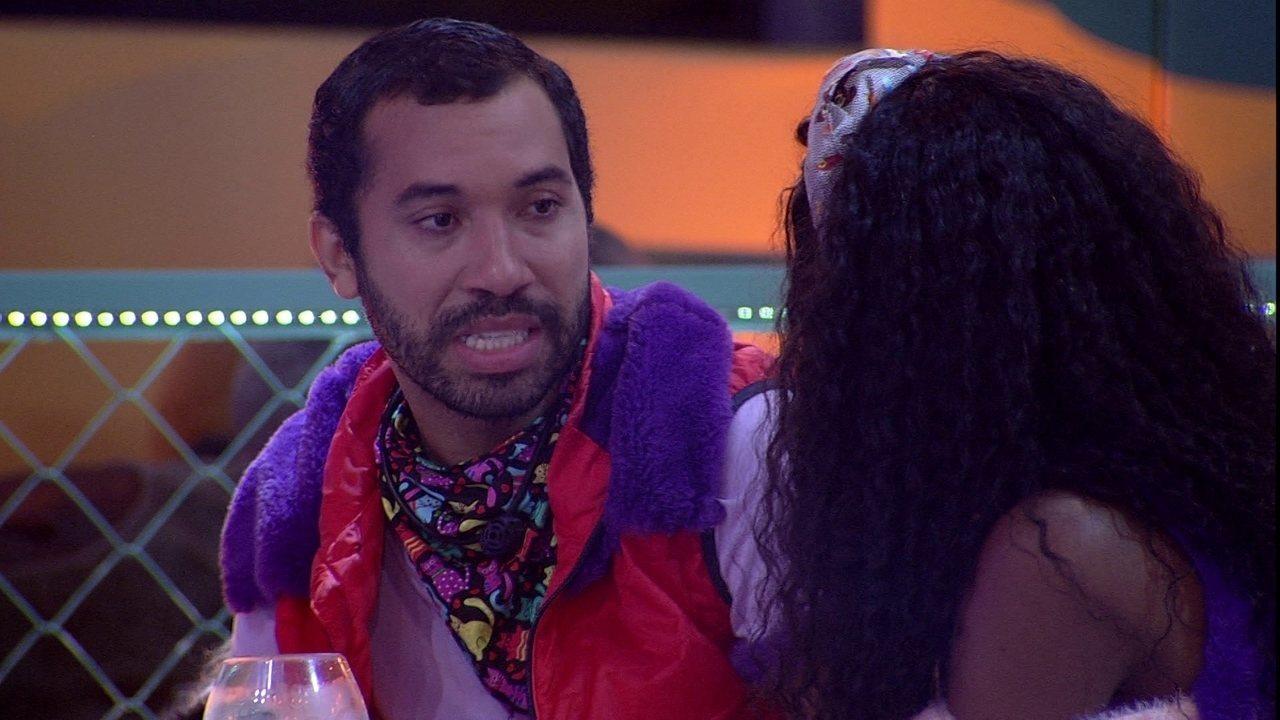 Gilberto revela que quer fazer um discurso antes da próxima eliminação do BBB21