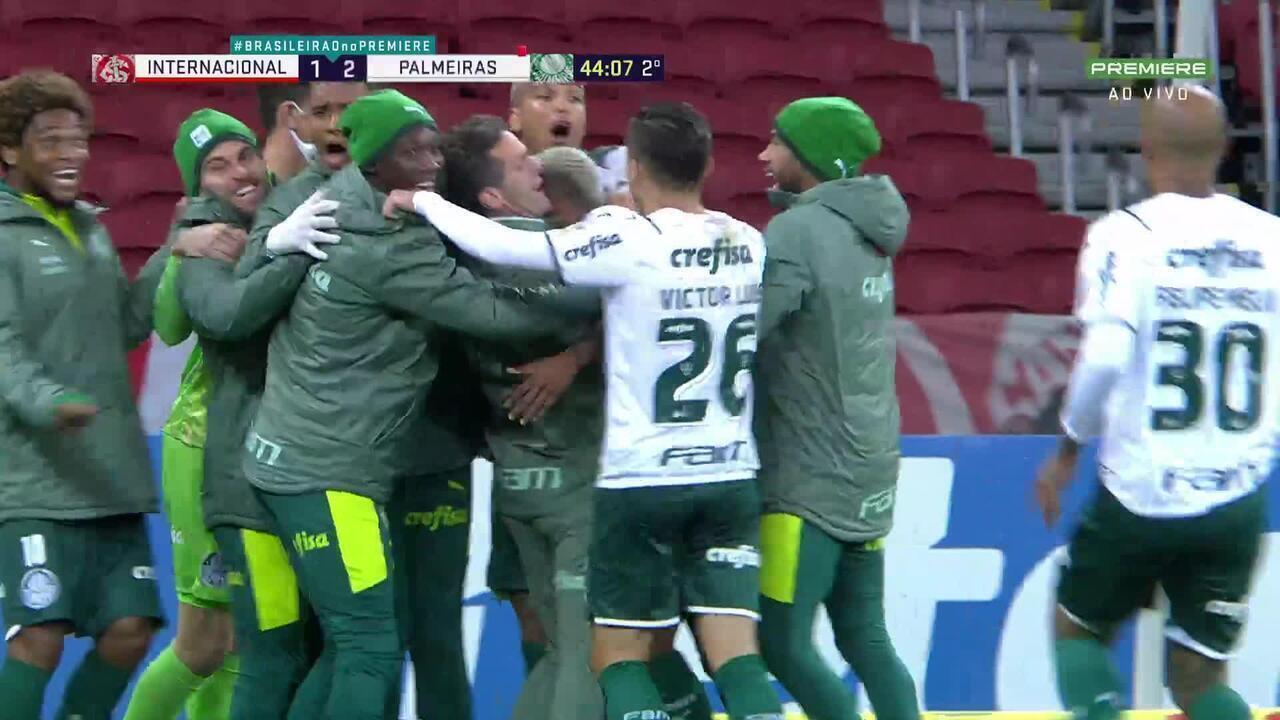 Relembre! Danilo encobre Daniel e marca golaço para o Palmeiras contra o Internacional