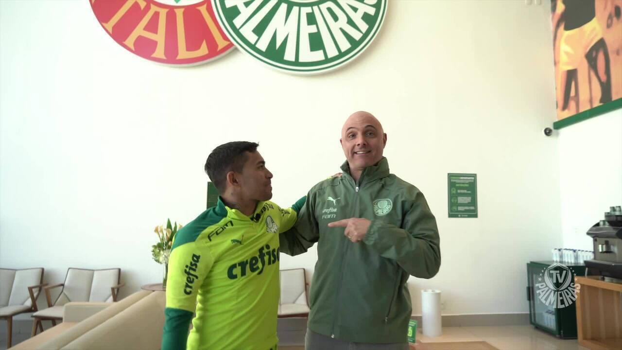"""Presidente do Palmeiras recebe Dudu na Academia: """"É o retorno de um grande ídolo"""""""