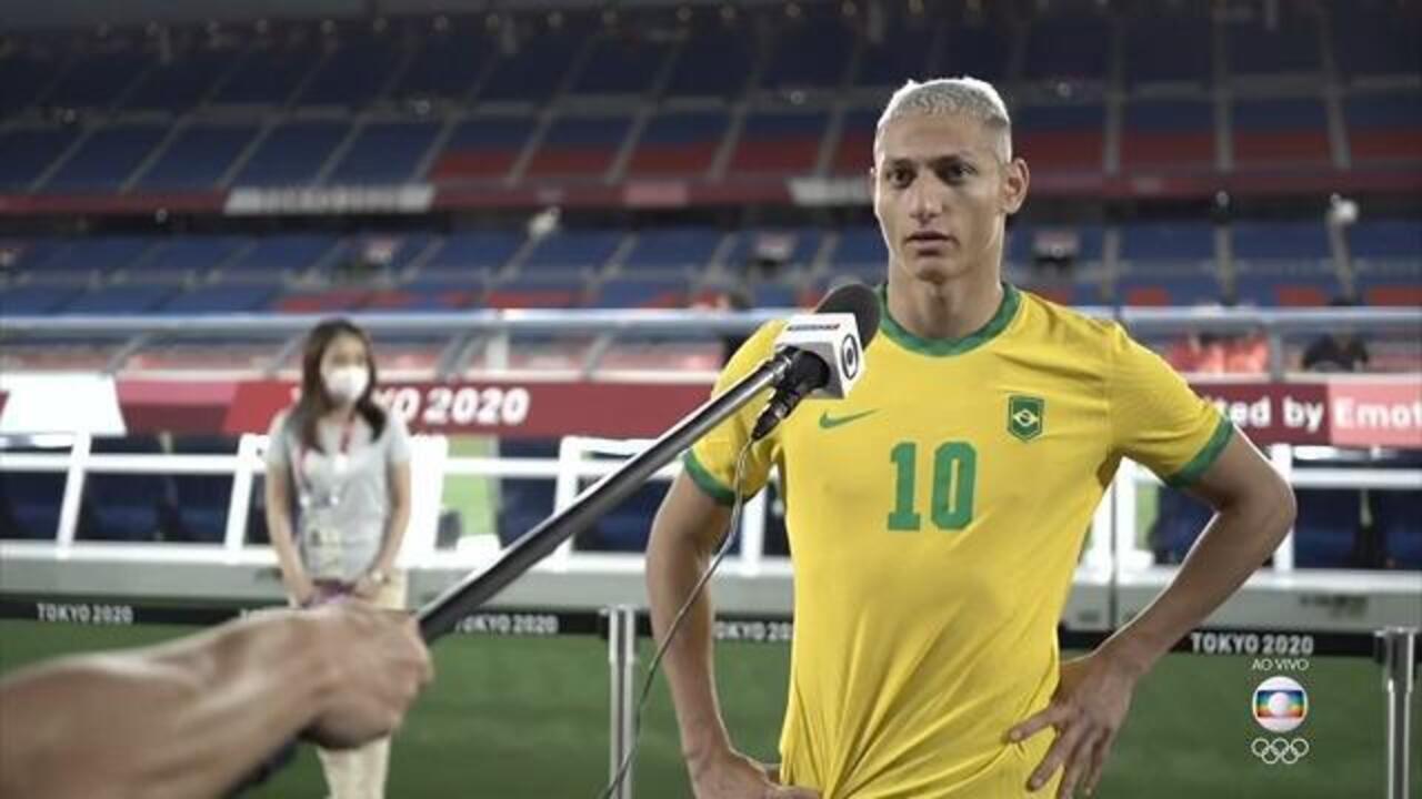 """Richarlison comemora hat-trick na estreia: """"Não tem como explicar, sonho realizado"""""""