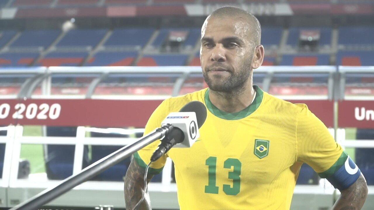"""Daniel Alves comenta estreia em olimpíadas: """"Sempre um privilégio"""""""
