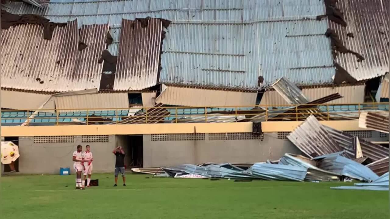 Cobertura de estádio do Imperatriz desaba durante jogo contra o 4 de Julho na Série D