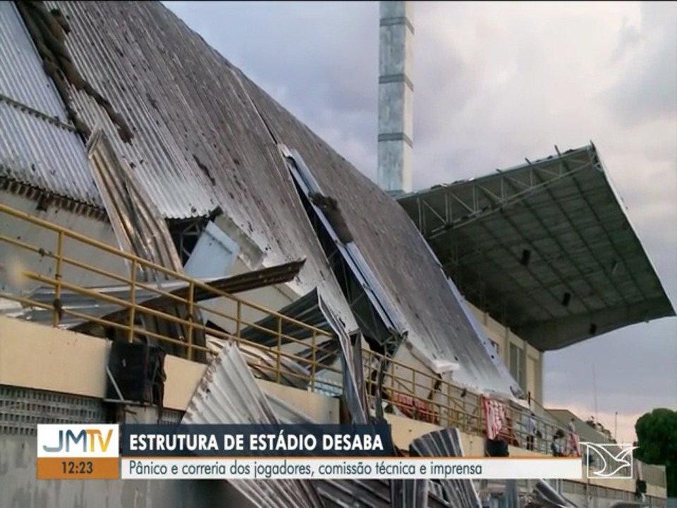 Estrutura de estádio desaba durante partida de futebol em Imperatriz