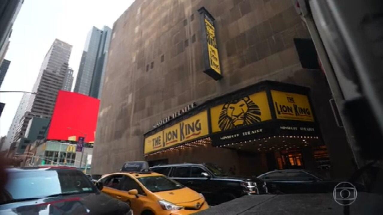 Musicais da Broadway reestreiam em Nova York